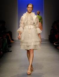 images_runway_la_fweek/4.jpg